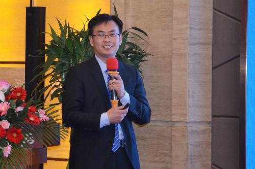 欣希安药业销售总监胡德泰先生