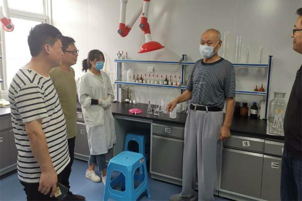欣希安药业邀请中西医结合专家刘建国教授来我司传经送宝