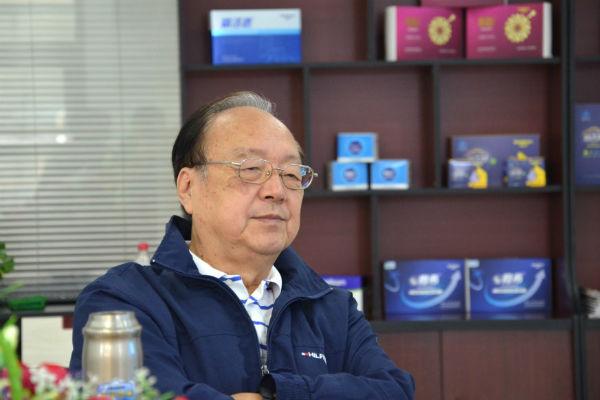 山东营养学会理事长、山东大学博士生导师徐贵法教授莅临山东欣希安药业指导工作