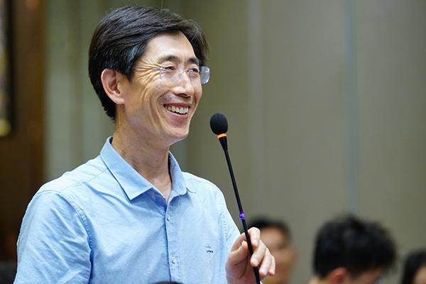 董事长孙京安先生代表欣希安药业分享